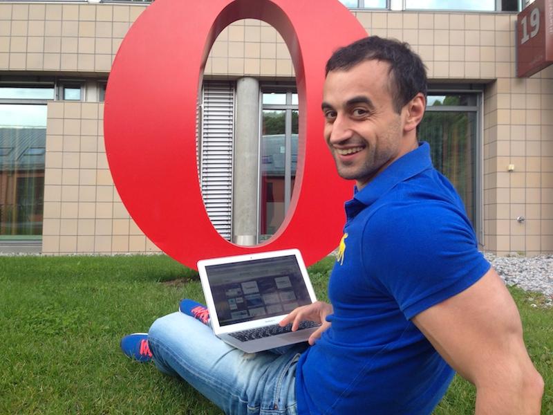 Михаил Зайцев - PR менеджер Opera Software в России
