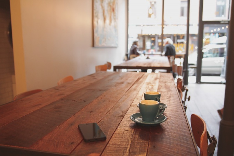 Public wi-fi in coffee shops with Opera Max