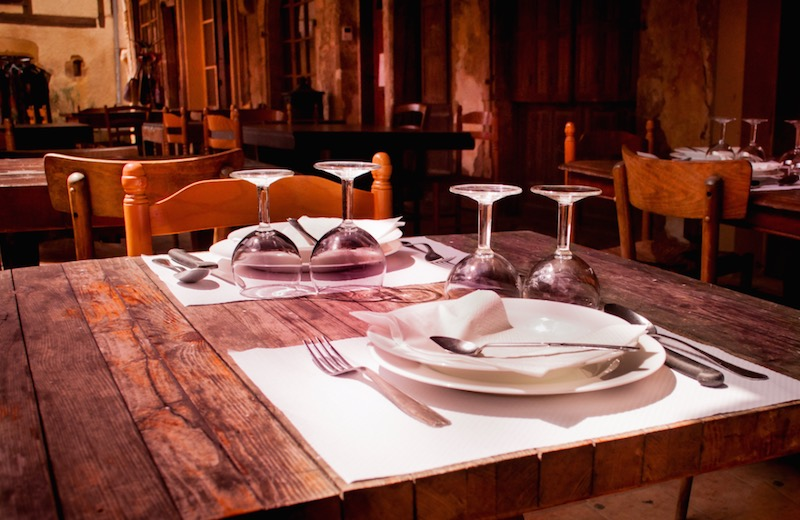 Public wi-fi in restaurants with Opera Max